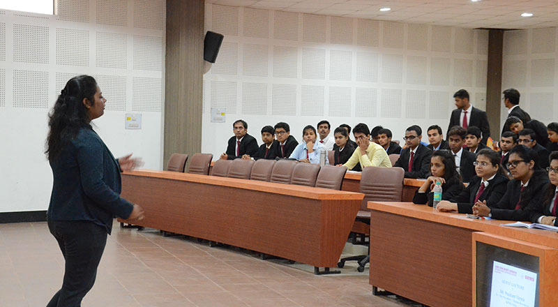Alumni-Lecture-on-2-Year-Experience-at-SRMS-IBS,-Lucknow