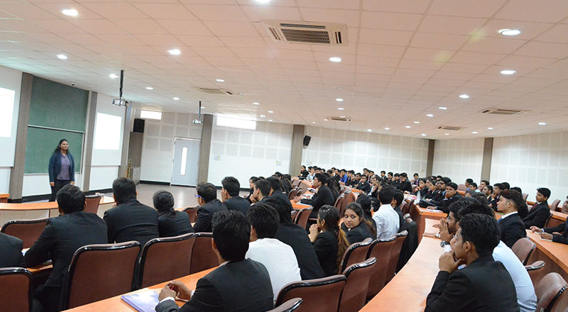 Alumni-Lecture-on-2-Year-Experience-at-SRMS-IBS,-Lucknow-Image2