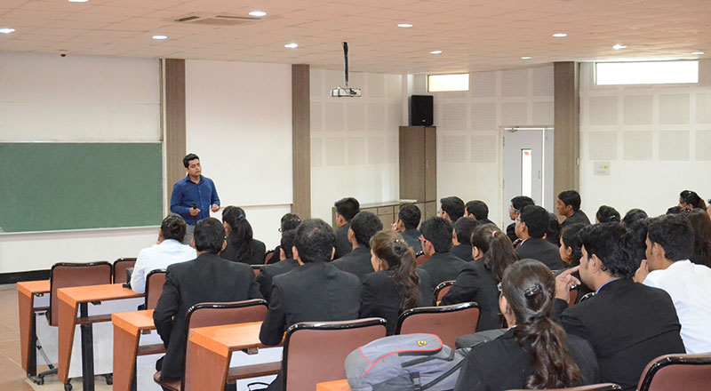 Alumni-Lecture-on-Making-most-of-the-academic-opportunities