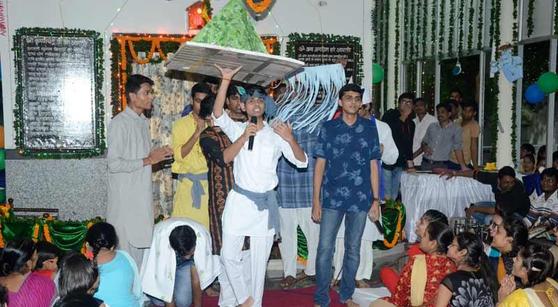 Janmashtami-Celebration-at-SRMS-Radhegovind-Temple