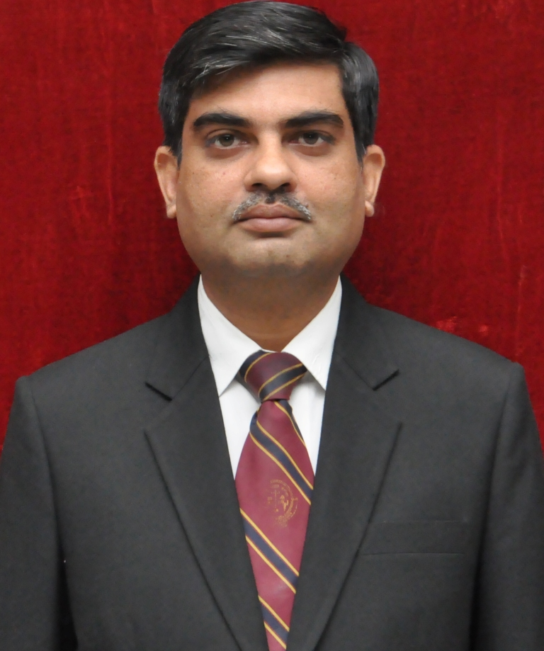 Dr Suneet Saxena