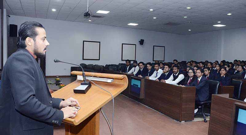 SRMS Campus Placement Drive –  Ucertify